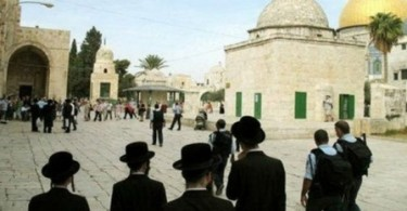 Zionis Kembali Serbu Masjid Al-Aqsa