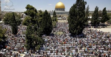http://parstoday.com/id/news/middle_east-i33068-meski_dipersulit_puluhan_ribu_warga_palestina_tunaikan_shalat_jumat